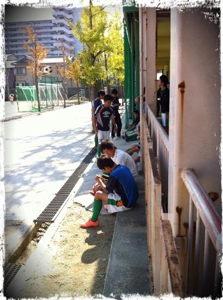 20121021 サッカー部試合前.png