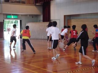 昼休みのバスケ.jpg