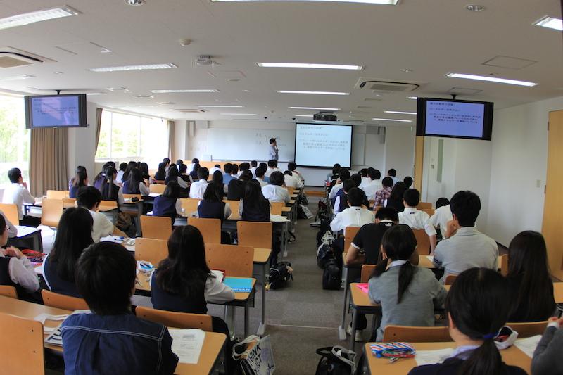 吹田高等学校画像